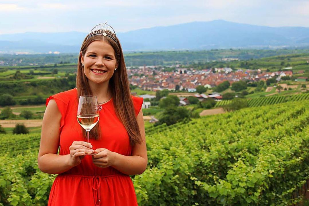 Sinja Hornecker in den Reben ihres Heimatdorfes Eichstetten  | Foto: Mario Schöneberg