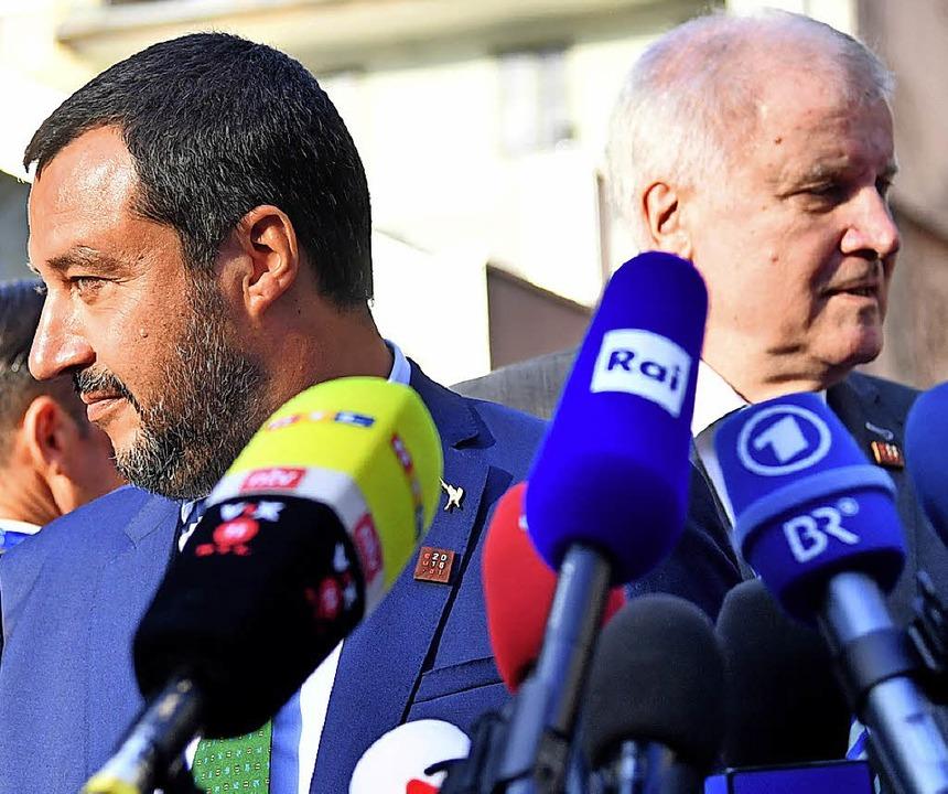 Salvini (l.) und Seehofer in Innsbruck   | Foto: dpa