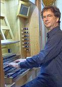 Martin Groß an der Silbermann-Orgel in der Klosterkirche Offenburg