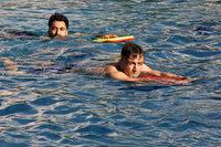 Freundeskreis Asyl bietet Flüchtlingen in Denzlingen Schwimmunterricht an