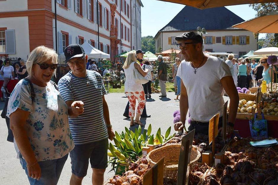 Shoppen und Schauen im Ambiente von Schloss Beuggen (Foto: Horatio Gollin)
