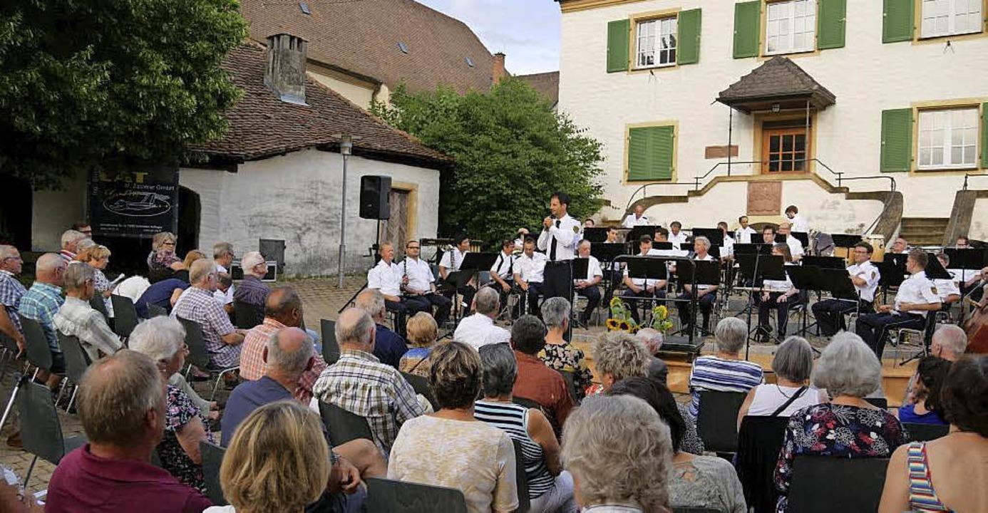 Eine besondere Atmosphäre herrschte im...St. Erasmus in Ballrechten-Dottingen.     Foto: Spranger