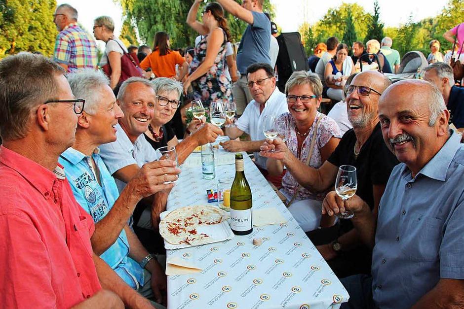 Impressionen von der Eichstetter Weinnacht, die bereits am Tag begann und bis spät in die Nacht dauerte. (Foto: Mario Schöneberg)