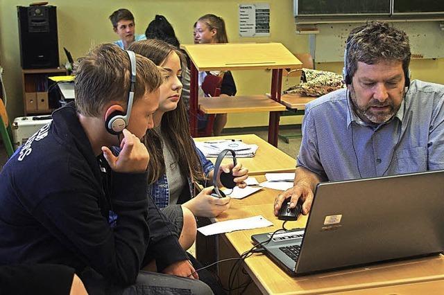 Klassenraum wird zu Radioredaktion