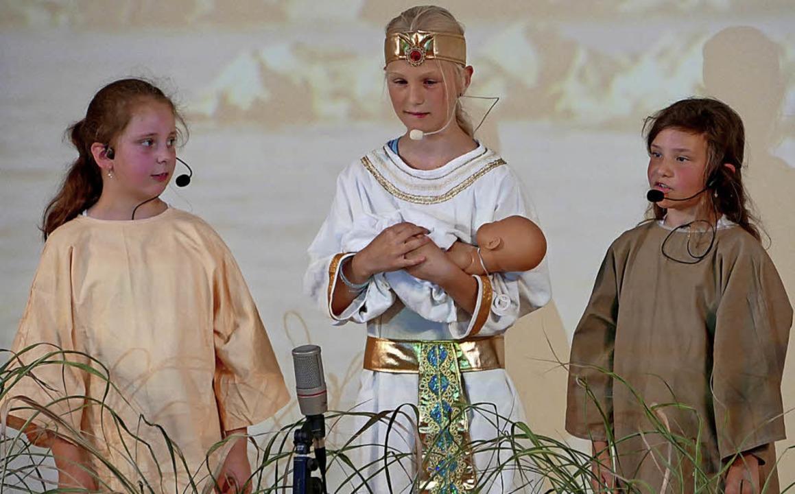 Eine beschwingte Vorstellung von Thoma...Kinderchor im Münsterpfarrhof gezeigt.    Foto: Miloslavic