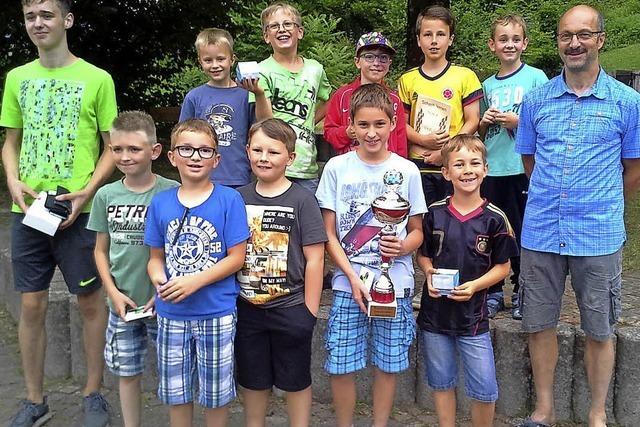 Tobias Weis siegt bei der Schulschachmeisterschaft