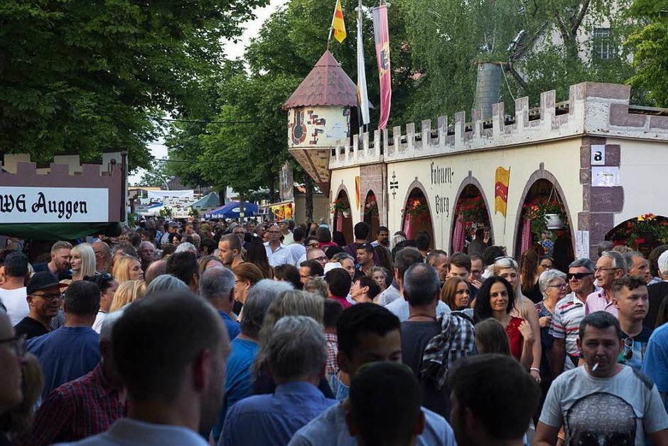Etwa 40 000 Besucher wurden auf dem Neuenburger Nepomukfest erwartet. (Foto: Volker Münch)