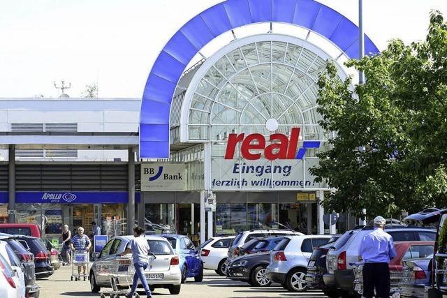 Freiburgs 315 Real-Mitarbeiter stecken mitten im Tarifstreit zwischen Verdi und DHV und ihrem Arbeitgeber