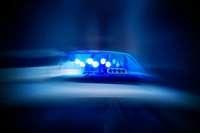 Autofahrerin gefährdet in der Gretherstraße zwei junge Frauen am Zebrastreifen und fährt davon