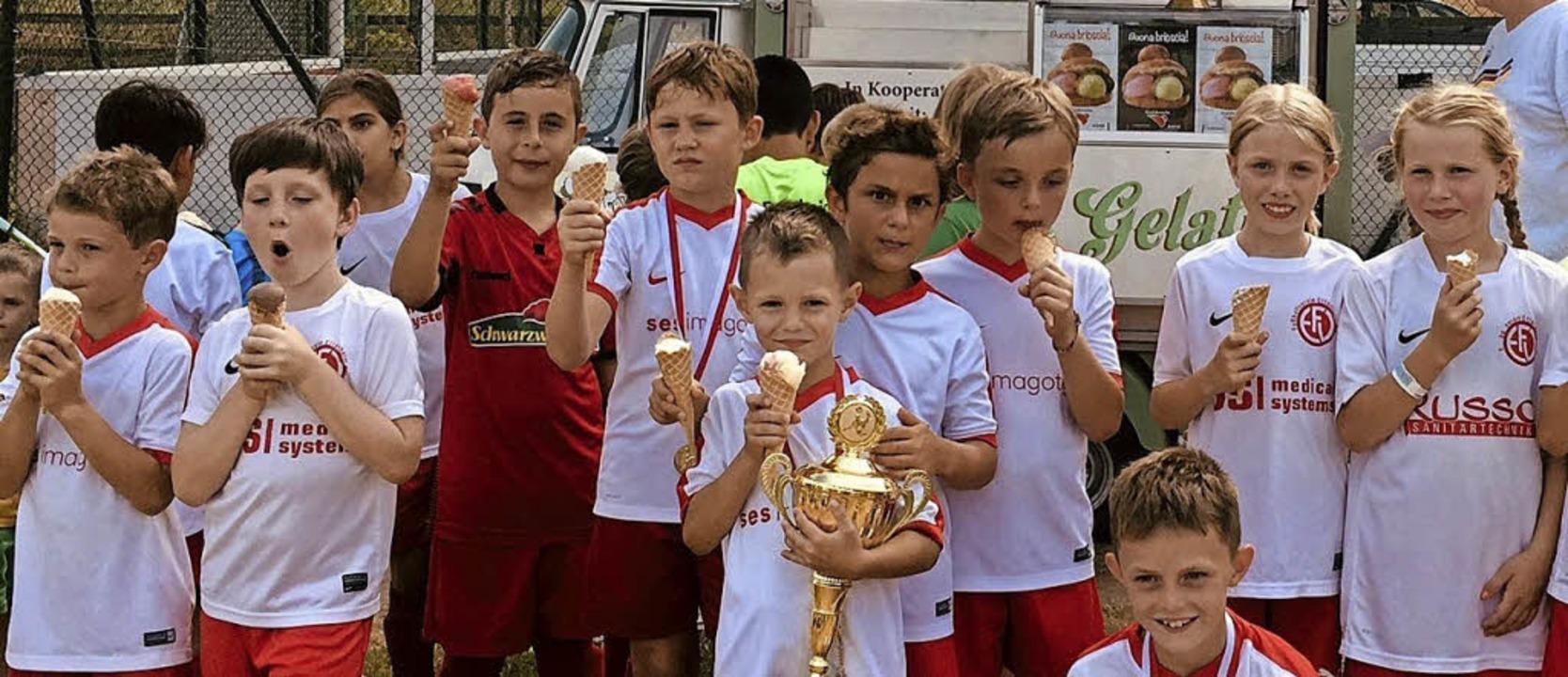<BZ-FotoAnlauf>FUSSBALL-Jugendcup:  </...reichen F-Junioren  des FV Ettenheim.   | Foto:  Verein