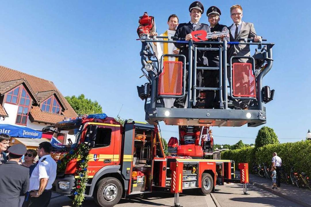 Der Stolz der Ruster Feuerwehr war ers...Feierstunde in Dienst gestellt worden.  | Foto: Bernhard Rein
