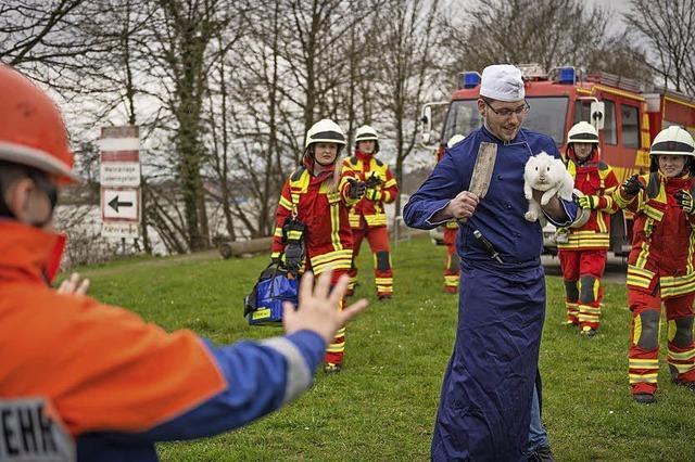 Feuerwehr rettet Osterhasen