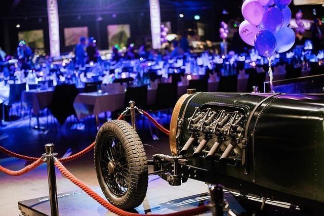 Autos, Maschinen und großformatige Teile - im Volante ist Raum für Produktpräsentationen XXL