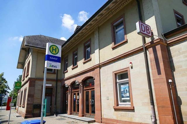 Das Bieten für den denkmalgeschützten Rheinfelder Bahnhof läuft