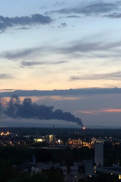 Der Rauch war auch von der Offenburger Oststadt aus zu sehen.  | Foto: Astrid Tabellion