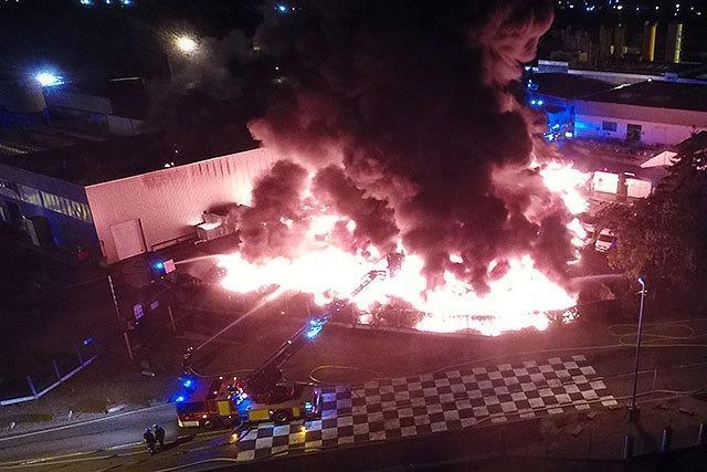 Großbrand am Straßburger Hafen - auch deutsche Retter im Einsatz