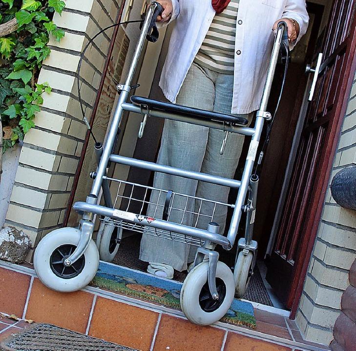 Viele Hürden gibt es beim  seniorengerechten Wohnen in Eisenbach zu überwinden.   | Foto: dpa