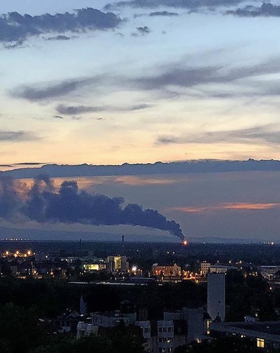 Von der Offenburger Lindenhöhe aus war...Donnerstagabend deutlich zu erkennen.   | Foto: Astrid Tabellion