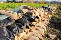 Wittlinger ordern Sandsäcke für ein mögliches Hochwasser