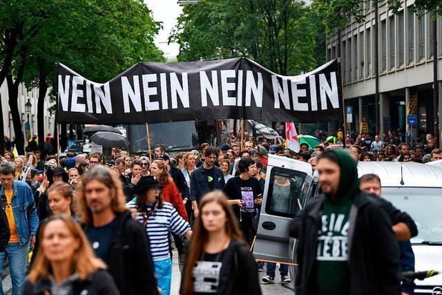 Rund 18.000 Teilnehmer bei #ausgehetzt-Demo in München