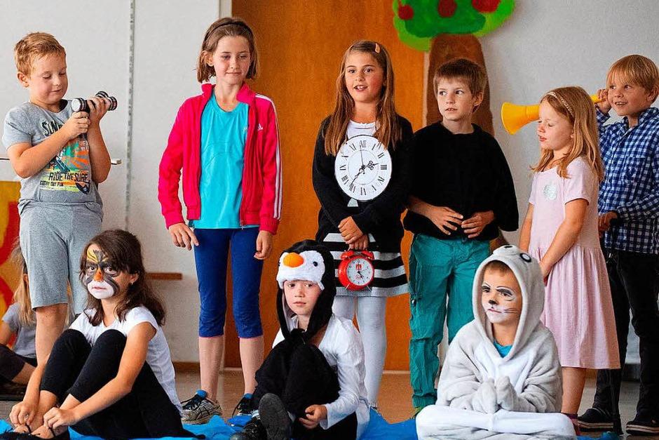 Theateraufführung der 2. Klasse in der Schule in Gündelwangen (Foto: Wolfgang Scheu)