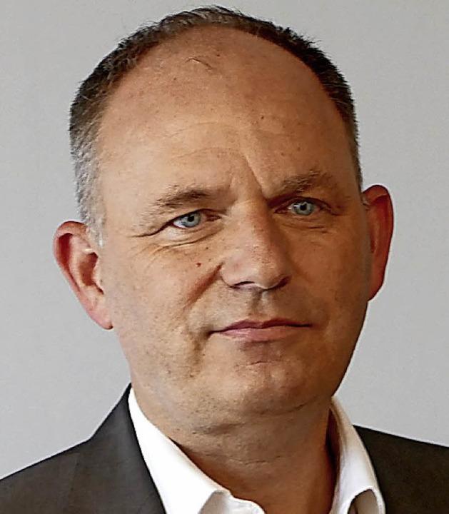 Hans-Peter Schlaudt bleibt zwei weiter...tsführer der Spitäler Hochrhein GmbH.     Foto: Held