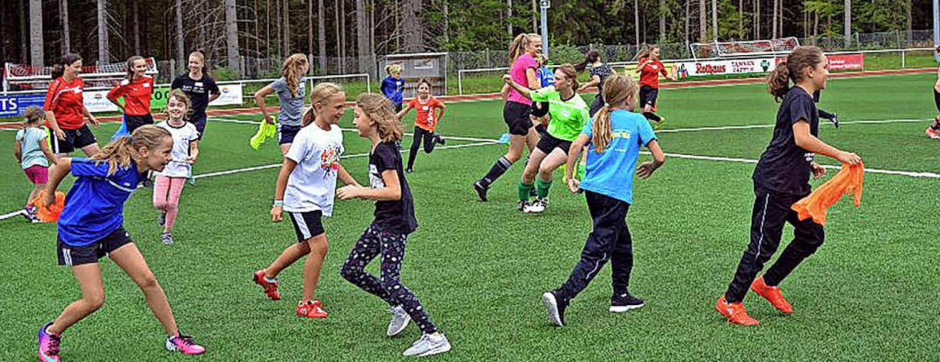 Interessante Bewegungsabläufe – ... – wurden spielerisch trainiert.    Foto: Wolfgang Scheu