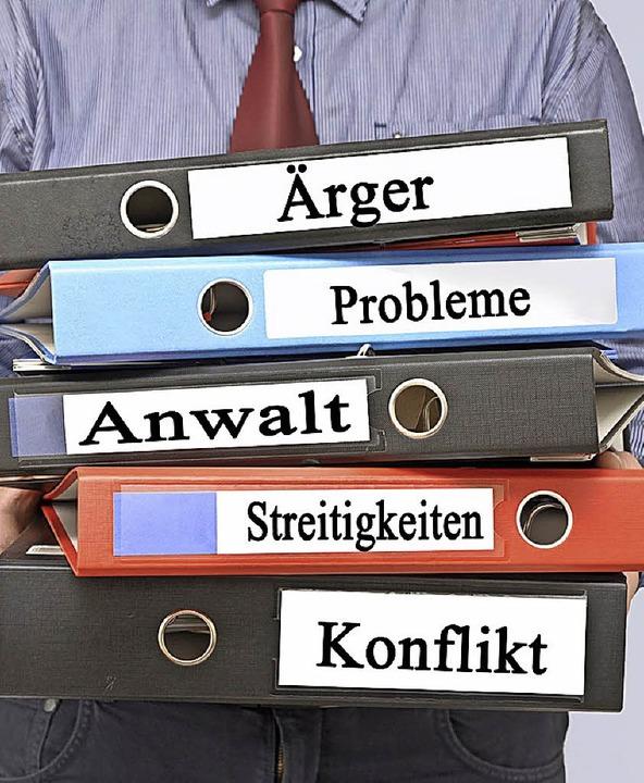 Eine Mediation kann helfen, Konflikte zu bewältigen.   | Foto: Adobe.com