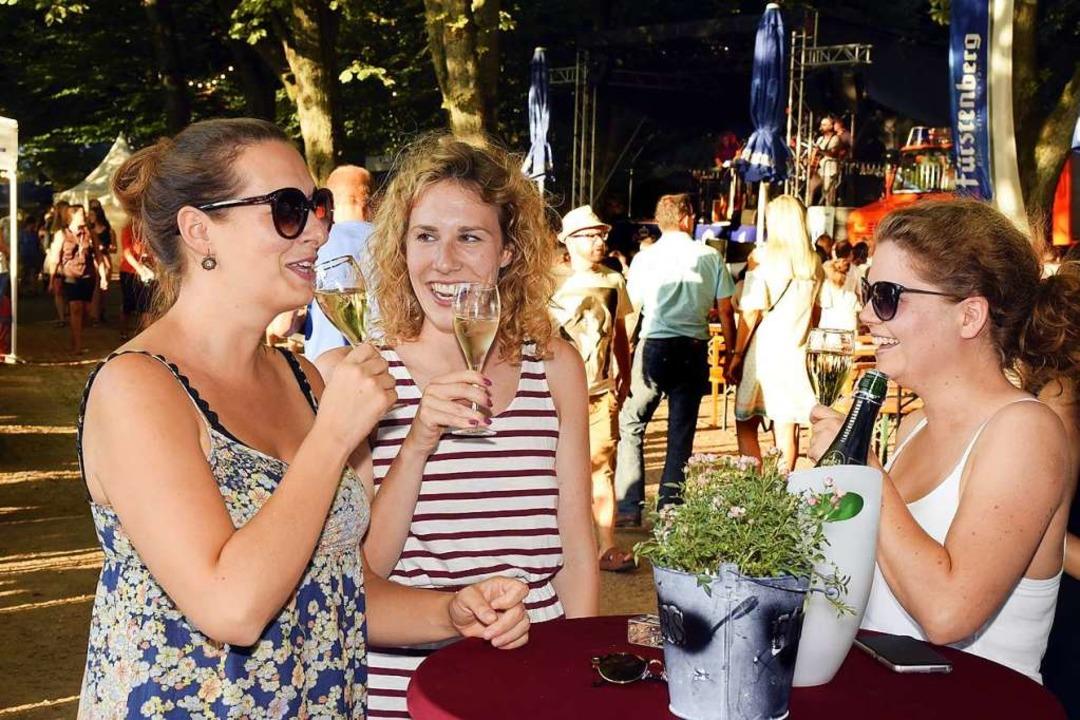 Nicht nur Livemusik lockte die Besucher auf das Schlossbergfest.  | Foto: Thomas Kunz