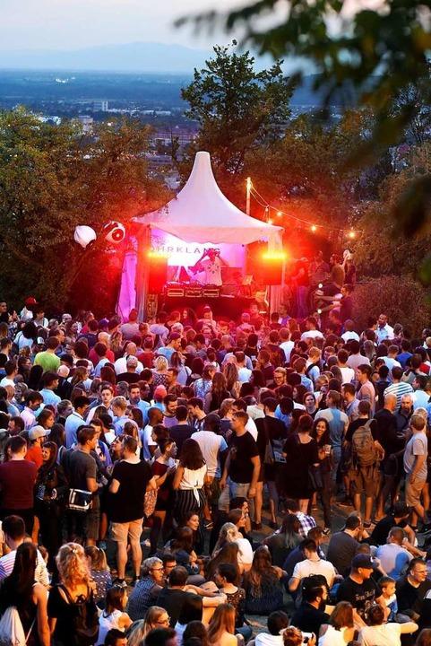 Techno- und House-Musik  auf der Leopo... den  DJs Dave Leon und Martin Mingres  | Foto: Thomas Kunz
