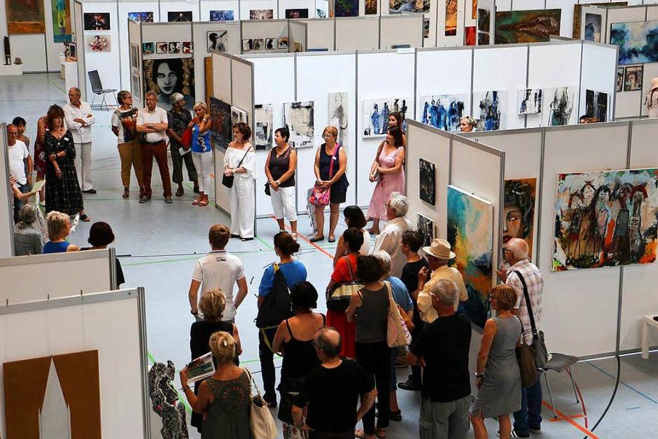 Eröffnung der 8. Endinger Kunsttage am Samstagnachmittag in der Stadthalle. (Foto: Ruth Seitz)