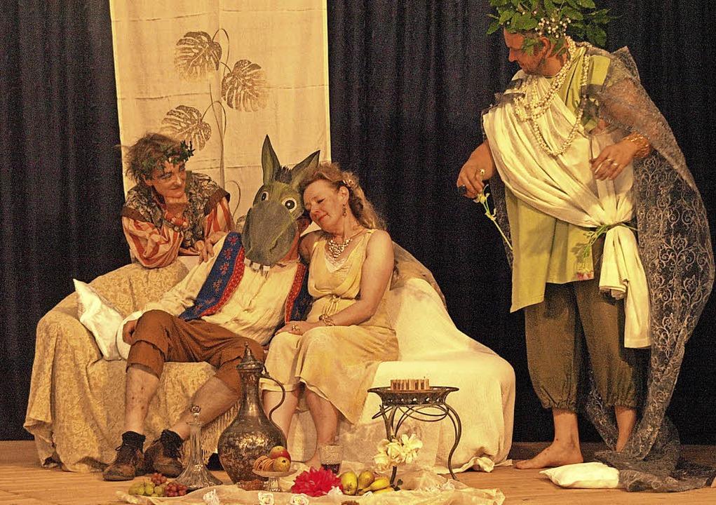Die Theatergruppe Dachsberg spielt in ...ch, Einlass und Bewirtung ab 18.30 Uhr  | Foto: Karin Stöckl-Steinebrunner