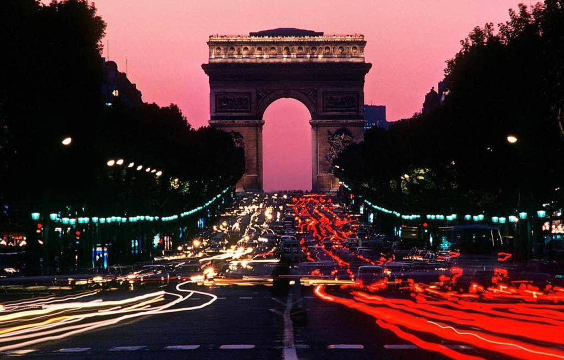 In Paris heißt die prächtigste Straße Champs Élysées.   | Foto: dpa