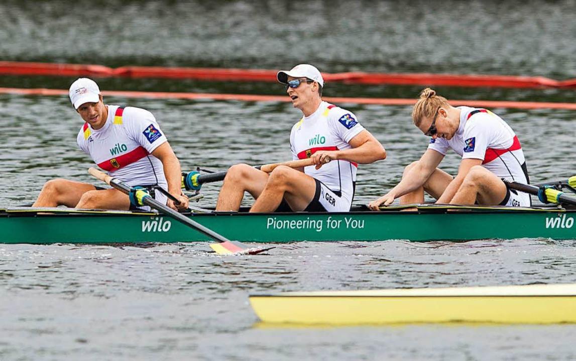 Erst mal ausschnaufen nach harter Arbe...er, Malte Jakschik und Richard Schmidt  | Foto: dpa