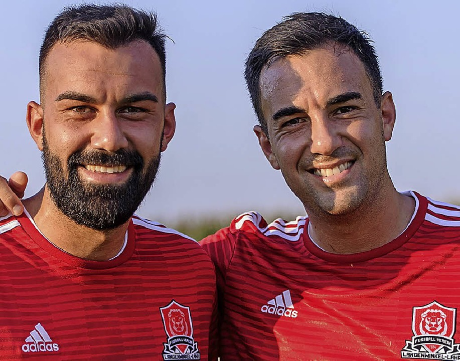 Erstmals im gleichen Trikot: Die Brüder Yasin (links) und Hakan Ilhan.  | Foto: Sebastian Koehli