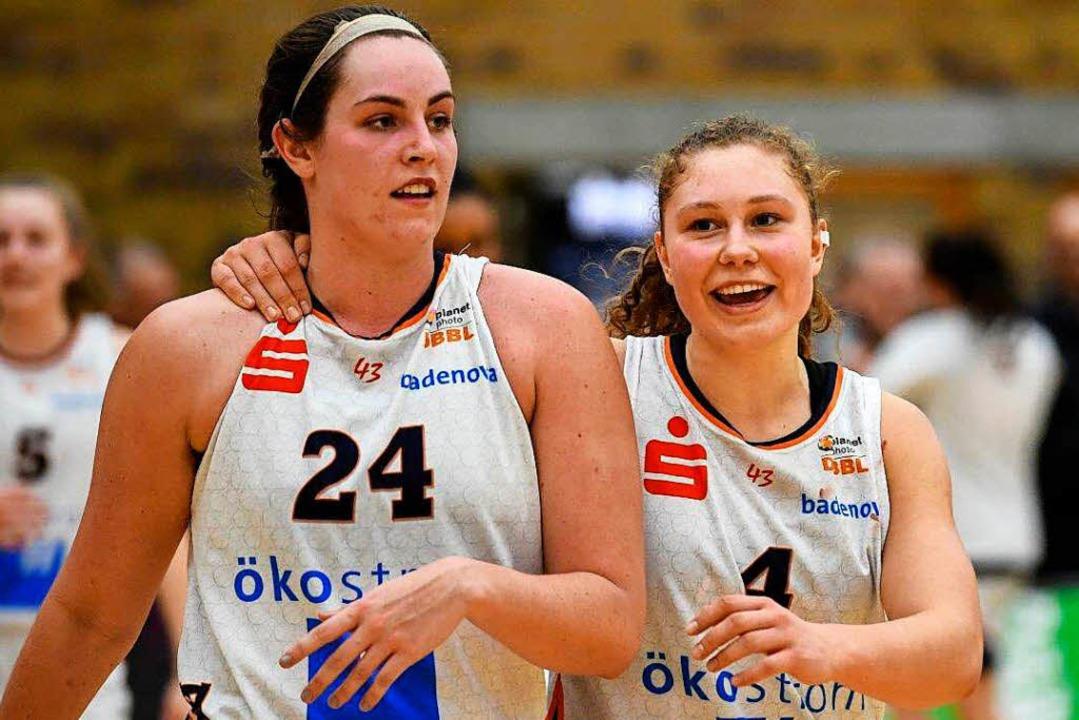 Weiter als Leistungsträgerinnen im Kad...y (links) und Kapitänin Luana Rodefeld