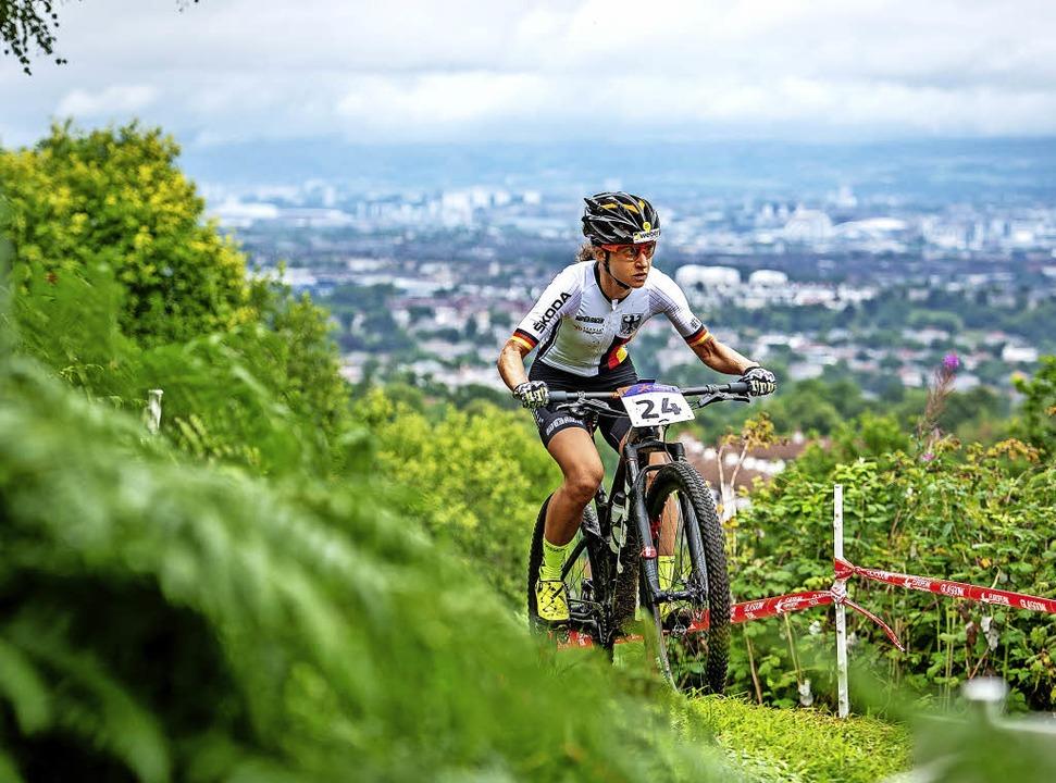 Im schottischen Grün über Glasgow: Adelheid Morath am Dienstag im EM-Rennen.   | Foto: Thomas Weschta