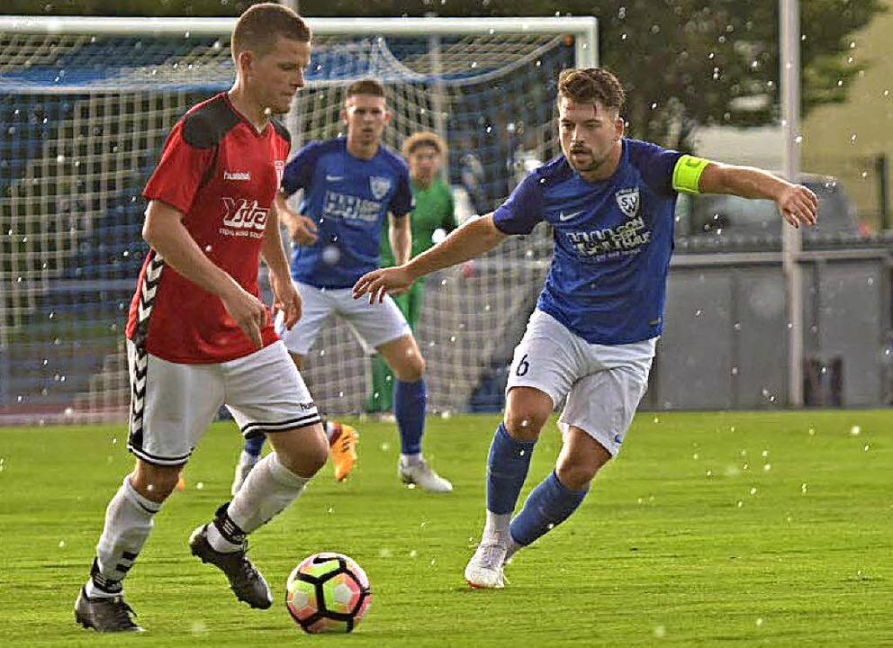 Weil (mit Nikola Obradovic, rechts) besiegte Ballrechten-Dottingen mit 4:1.   | Foto: vfma