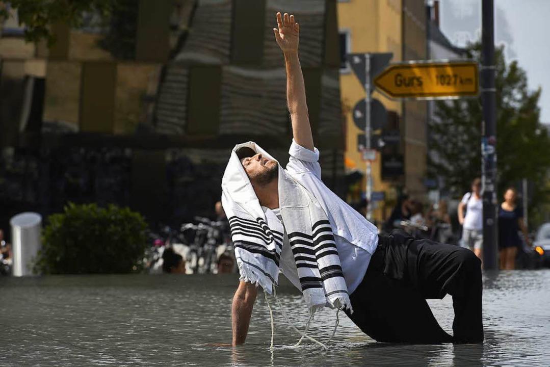 Yehuda Hyman am Mittwoch im Gedenkbrunnen  | Foto: Thomas Kunz