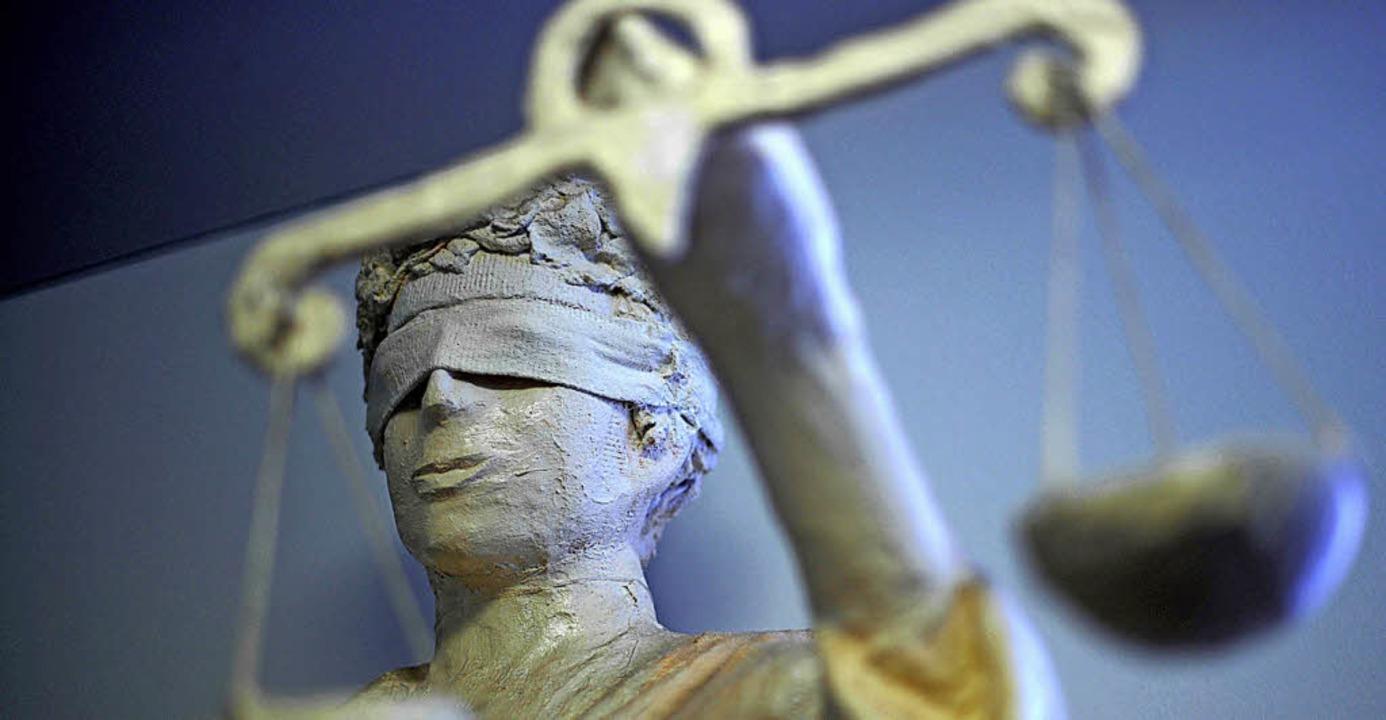 Wer ein Urteil  nicht versteht, sollte...empfiehlt BZ-Leser Rainer Schoenfeld.   | Foto: dpa