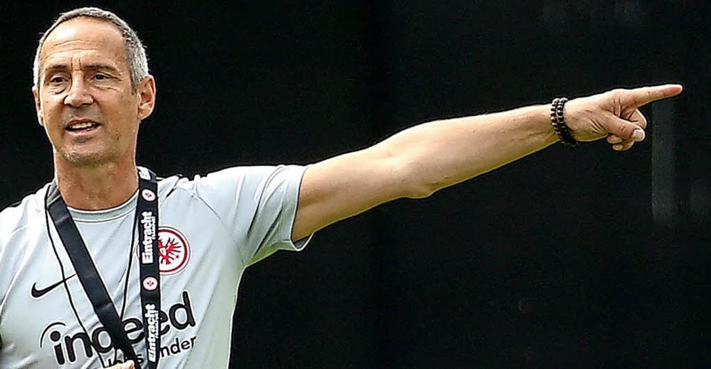 Der neue Eintracht Coach Adi Hütter hat  klare Vorstellungen.  | Foto: dpa