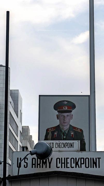 Bis heute gibt es kein Konzept für die Gestaltung des Checkpoint Charlie.  | Foto: dpa