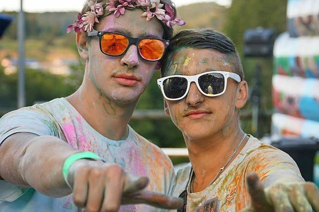 Kunterbunt: Holi Festival an der Hochfirstschanze Neustadt