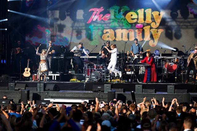 Wie das Comeback-Konzert der Kelly-Family mit einem Rückfall ins Fan-Dasein endete