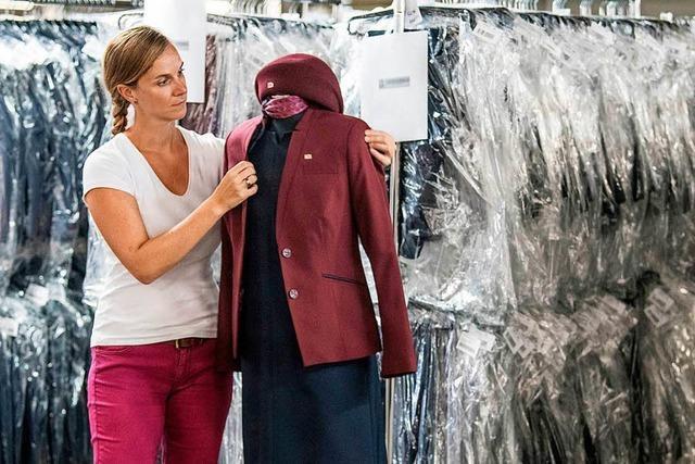 Die Bahn testet neue Uniformen – darunter ein Kleid und eine Jeans