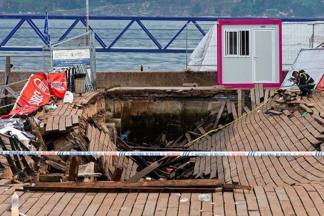 Holzsteg eingestürzt: Mehr als 300 Konzertbesucher verletzt