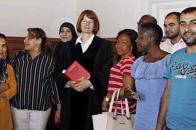Geflüchtete besuchen das Lahrer Amtsgericht