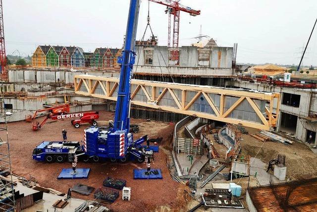 Jetzt geht's an die Dachkonstruktion der Europa-Park Wasserwelt Rulantica