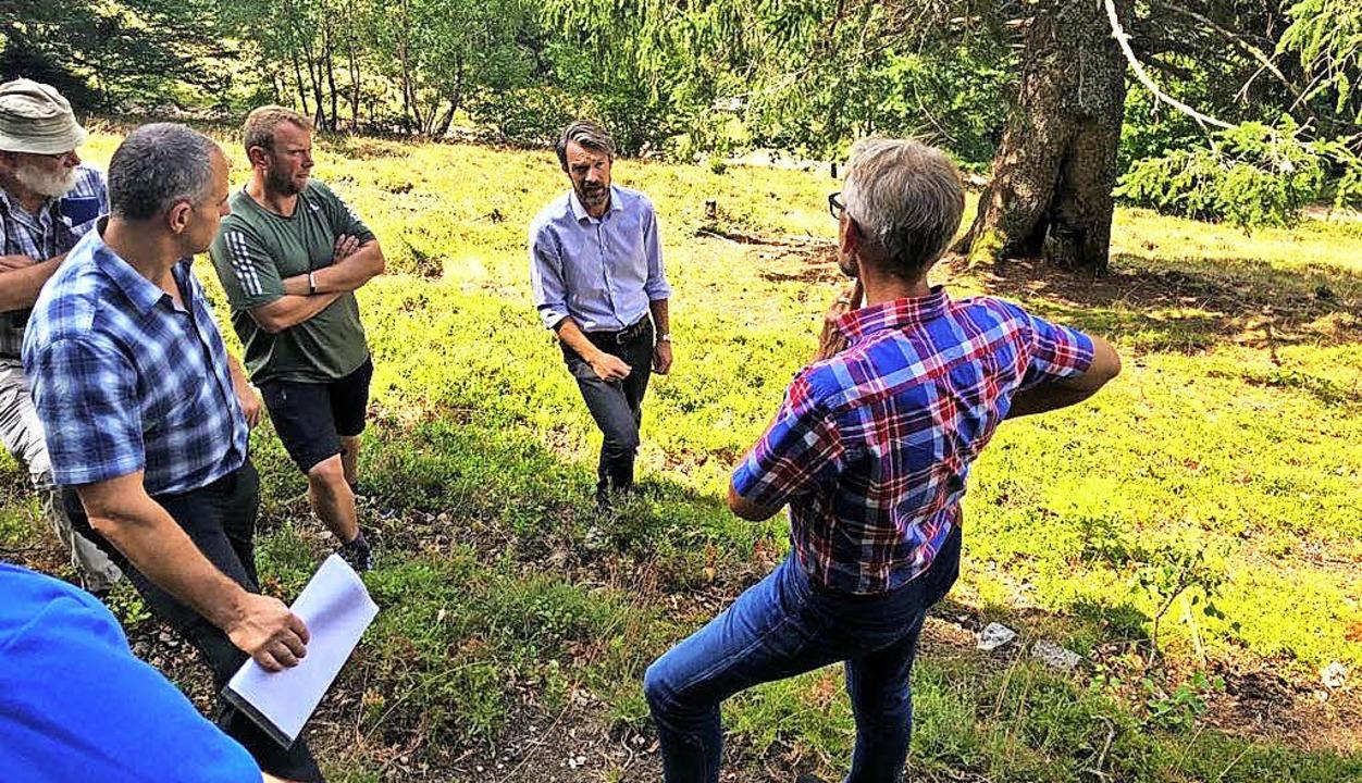 Wie kann man den Landwirten helfen, di...er  Vor-Ort-Tour im Oberen Wiesental.   | Foto: ZVG/Wahlkampfbüro Schuster