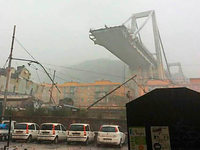 Fotos: Autobahnbrücke in Genua eingestürzt